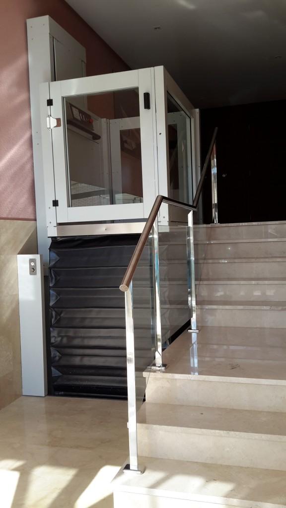 rehabilitación escaleras de entrada de una finca en valencia