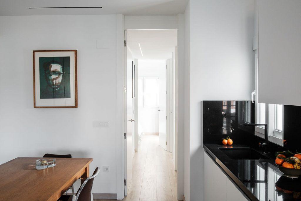 Vista del pasillo desde la cocina
